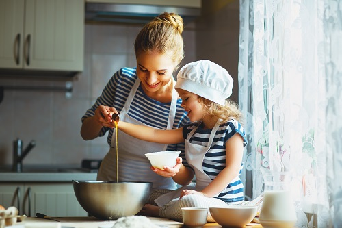 The benefits of cooking with your children